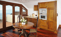 Takapuna Kitchen: Solid French Oak