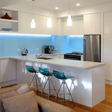 Neo-Design-modern-classic-kitchen-glass-splashback-auckland