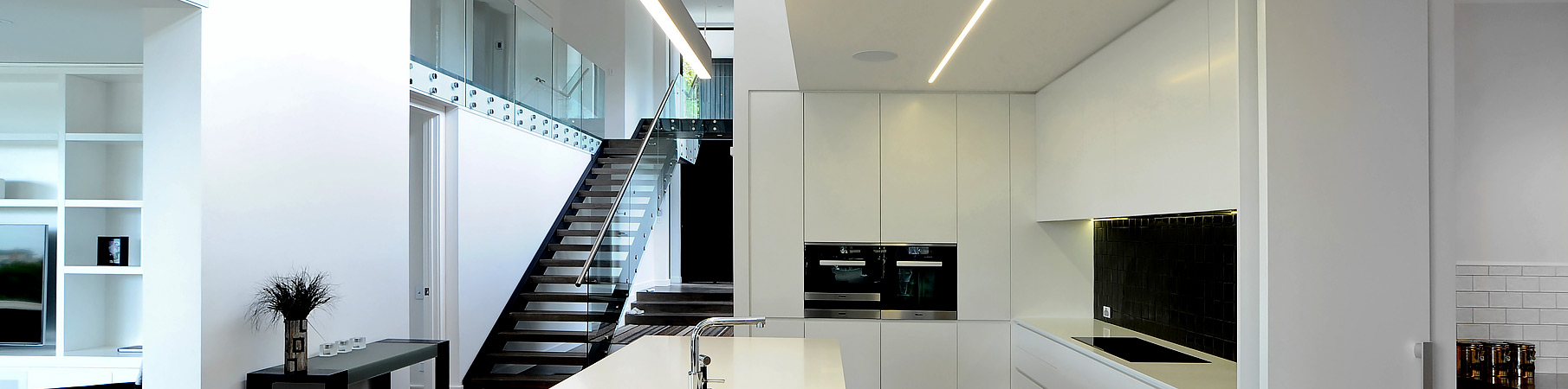 Black and white kitchen project
