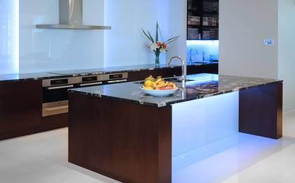 Torbay Kitchen: Oak, Granite, Glass